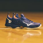 Image for the Tweet beginning: 🔥AVAILABLE NOW🔥 Mizuno Wave Momentum