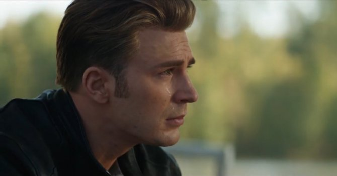 MCU Stars React To First #AvengersEndgame Trailer - Foto