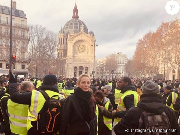 Gilets jaunes : Uma Thurman et Pierre Perret au milieu des manifestants ! Photo