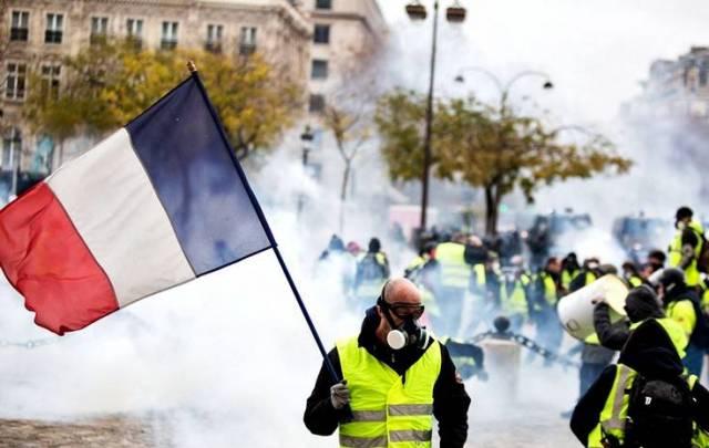 Франция расследует причастность России к протестам «желтых жилетов» Фото