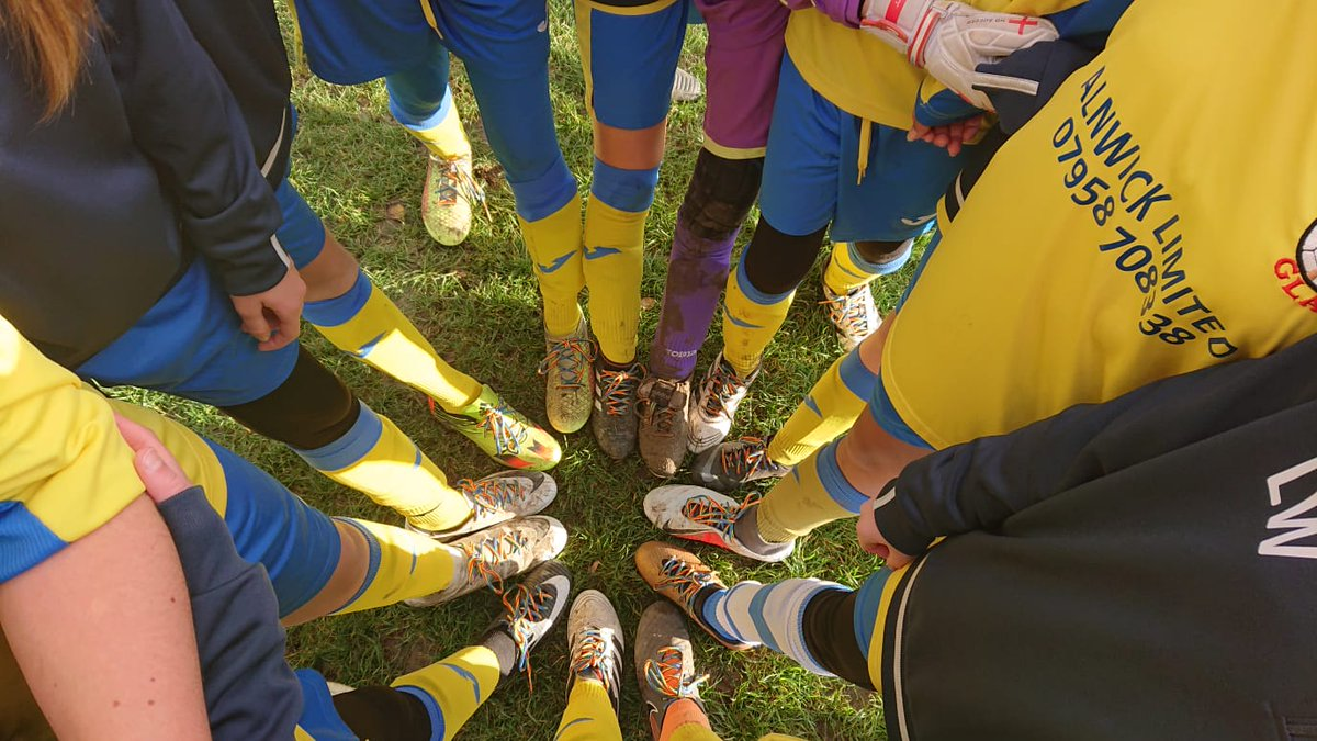 Rainbow laces out in force today @EssexCountyFA @fgfc_girls #RainbowLaces
