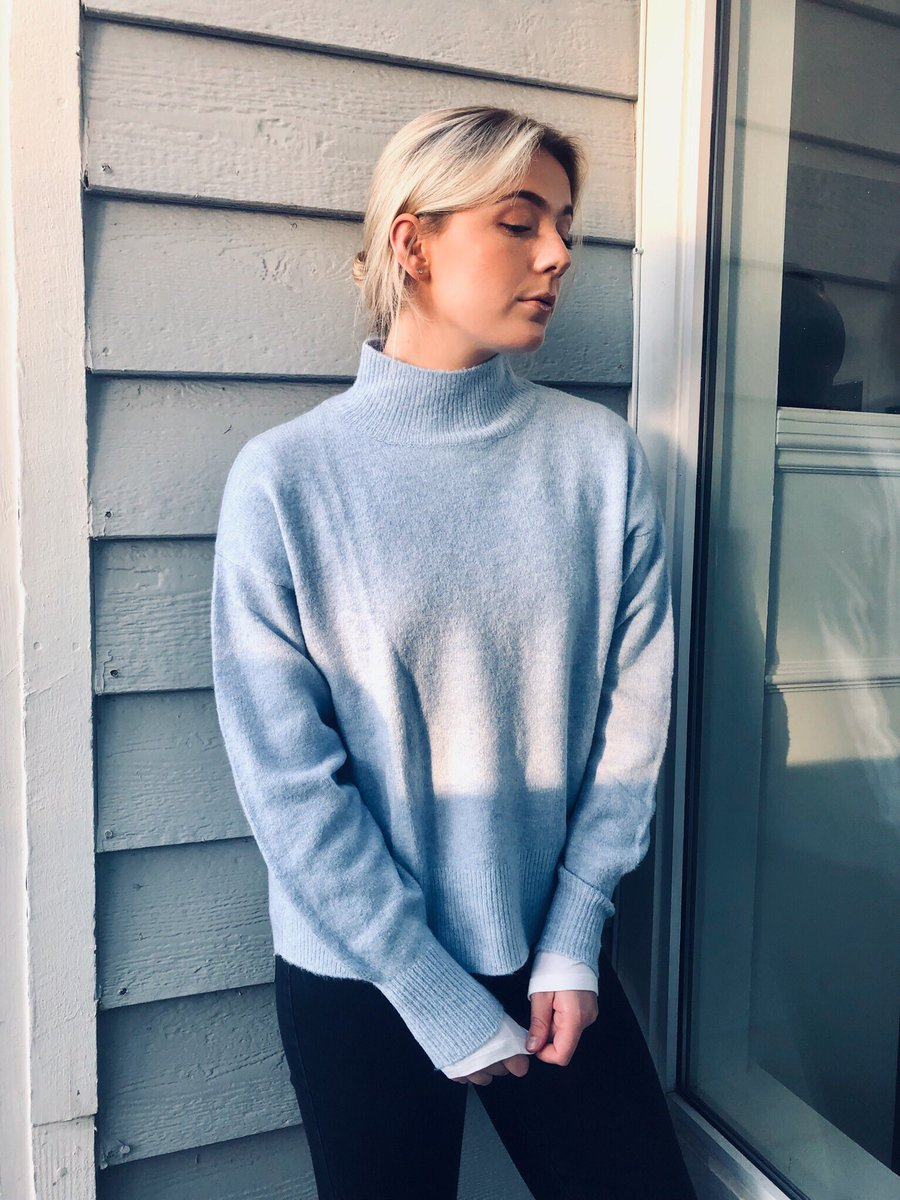 "test Twitter Media - In my happy little corner with my turtleneck as ""In The Middle"" just crossed 100k streams on @spotify! Thank you for taking the time to listen to this song. I'm buzzing and can't wait to share more music in the new year! If you haven't heard please check it out! All my love xxx https://t.co/yVdQggUPkY"