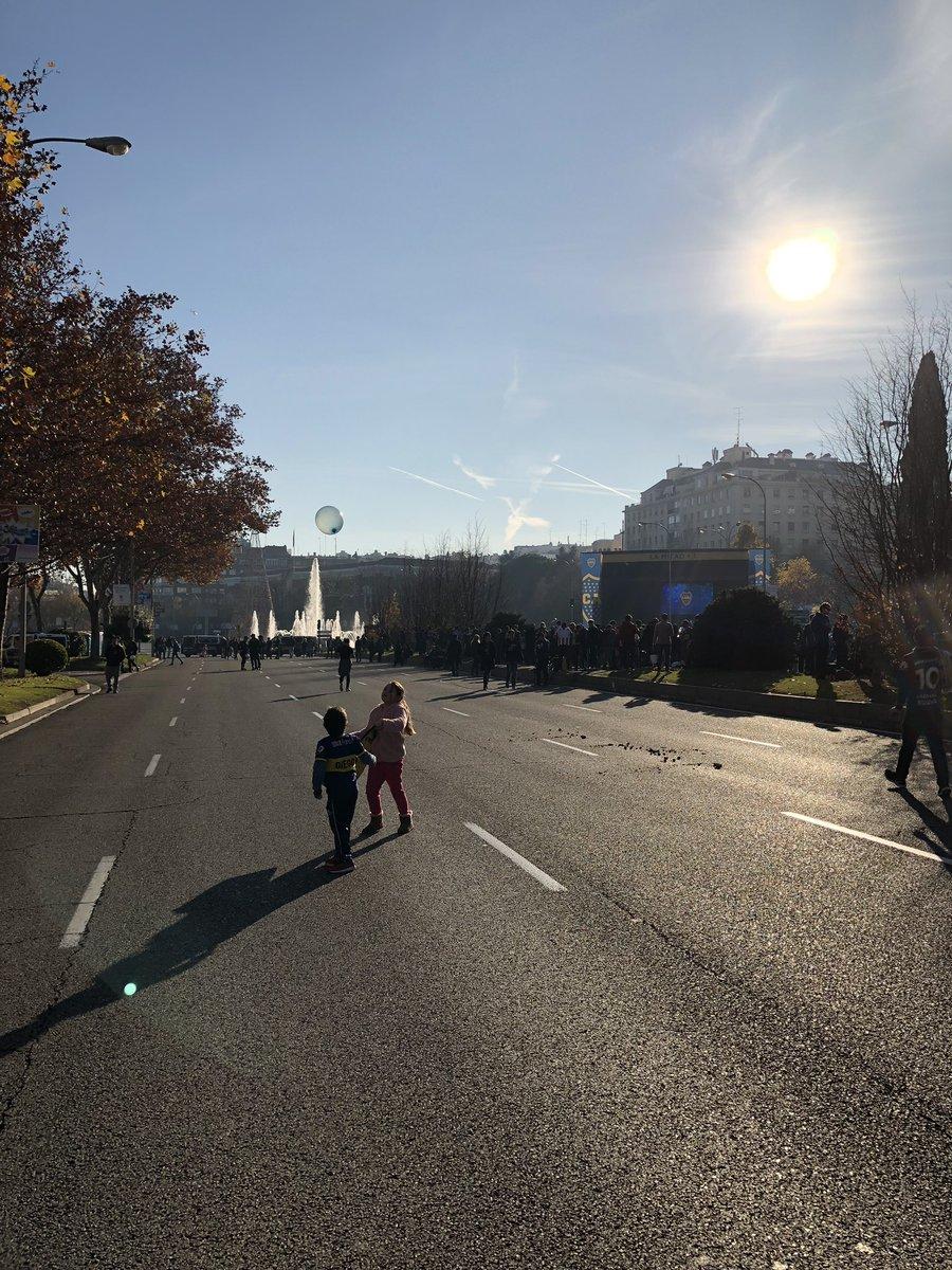 #CopaLibertadores in Madrid ist ein bisschen wie #YomKippur in Israel: Spielen auf normalerweise stark befahrenen Straßen.