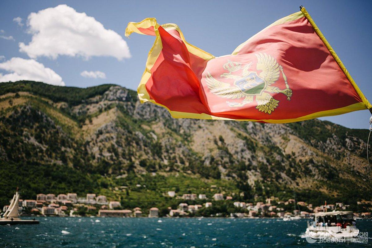 В Черногории проходит массовый протест оппозиции в желтых жилетах  https://t.co/qHKxOMqnNT