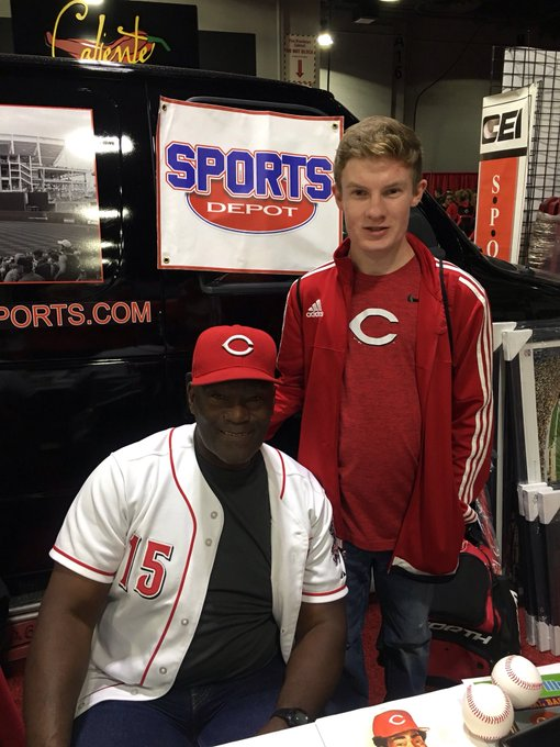 Hunter Wagner dropped by to wish Reds HOF\er George Foster a Happy Birthday at RedsFest on Saturday...