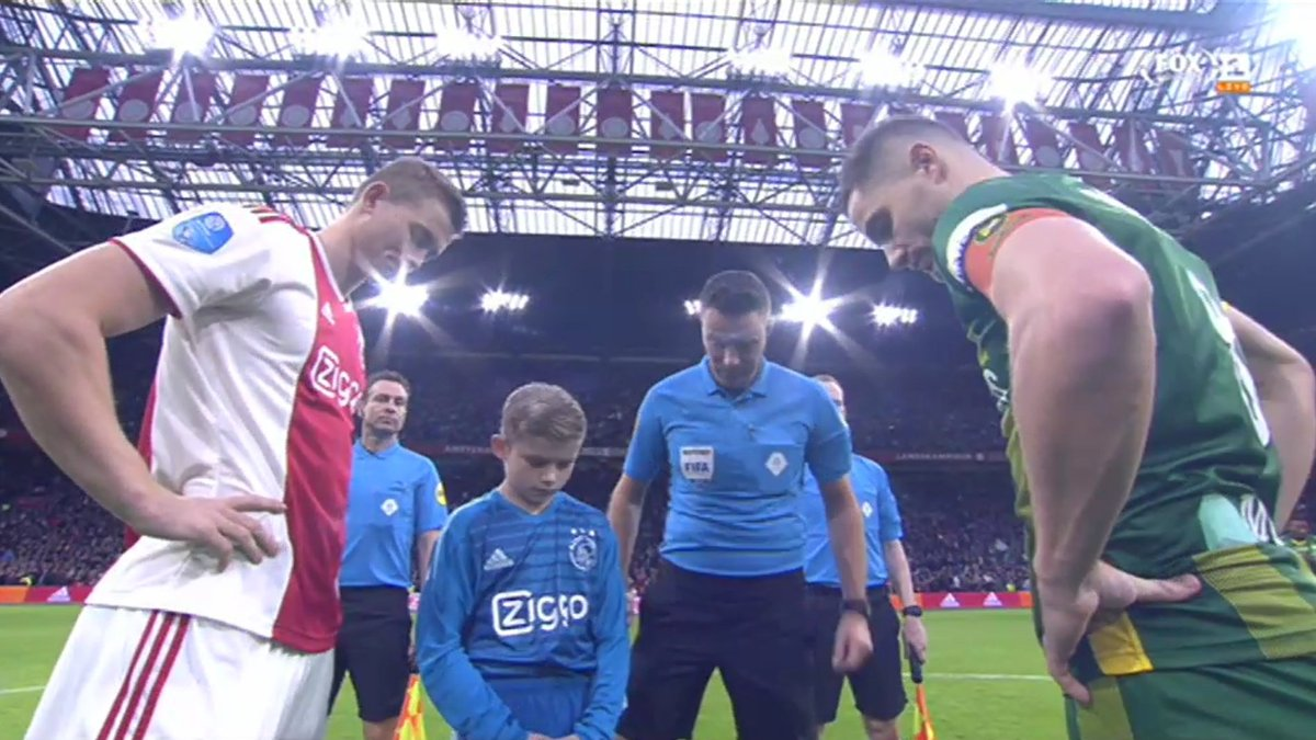 DtaGdtNXoAAHHnC - Buts Ajax / Ado Den Haag résumé vidéo 5-1