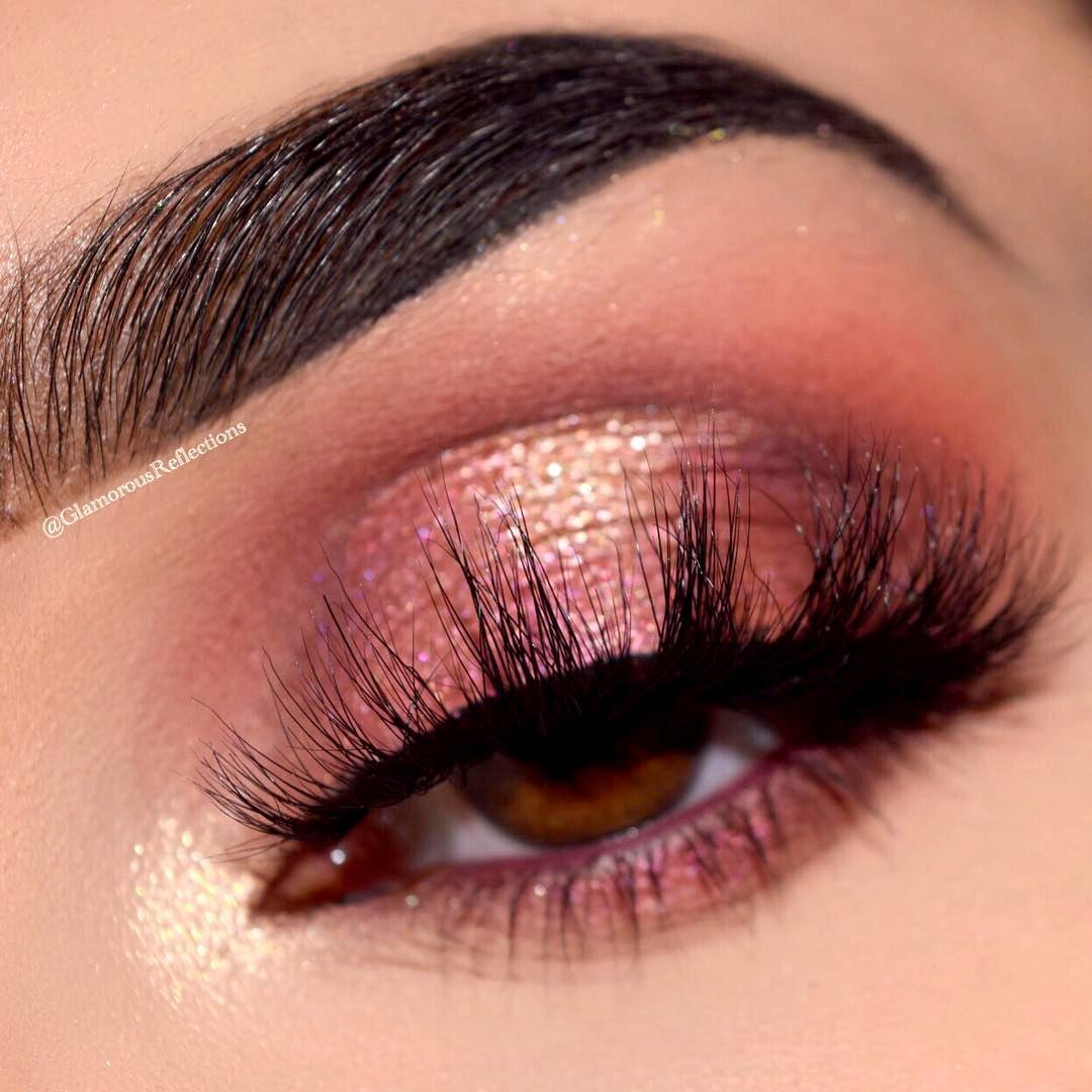 Holiday party eye look = nailed it 😍 @GLAMOROUSREFLECTIONS gets the look using the Naked Cherry Eyeshadow palette, Perversion Mascara and Heavy Metal Glitter Liner #NakedCherry #UrbanDecay