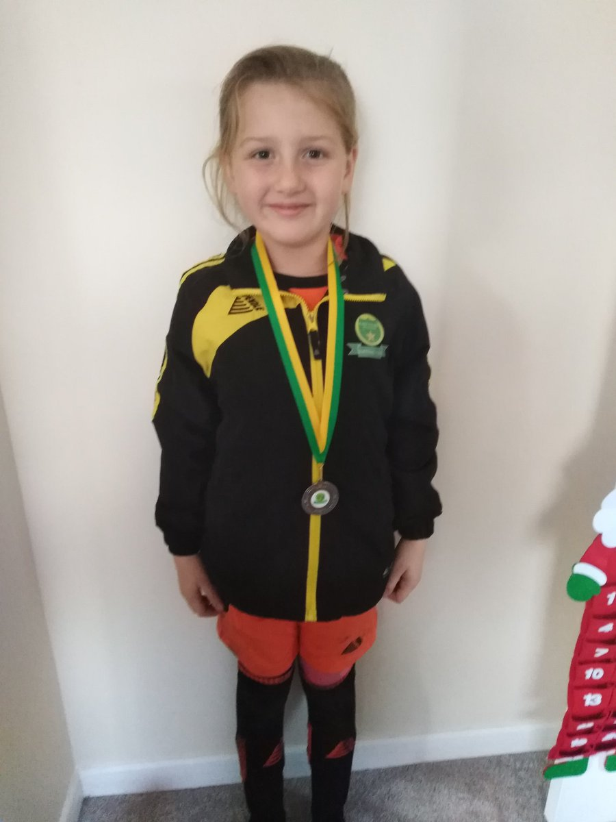 @MastercardUK I think Evies #PricelessMascot experience meeting @D_DeGea spurred her on for her @midlincsfooty game today. Some fantastic saves and she got awarded with Player of the Match ⚽🙌😁 @RichardBaker26 😍