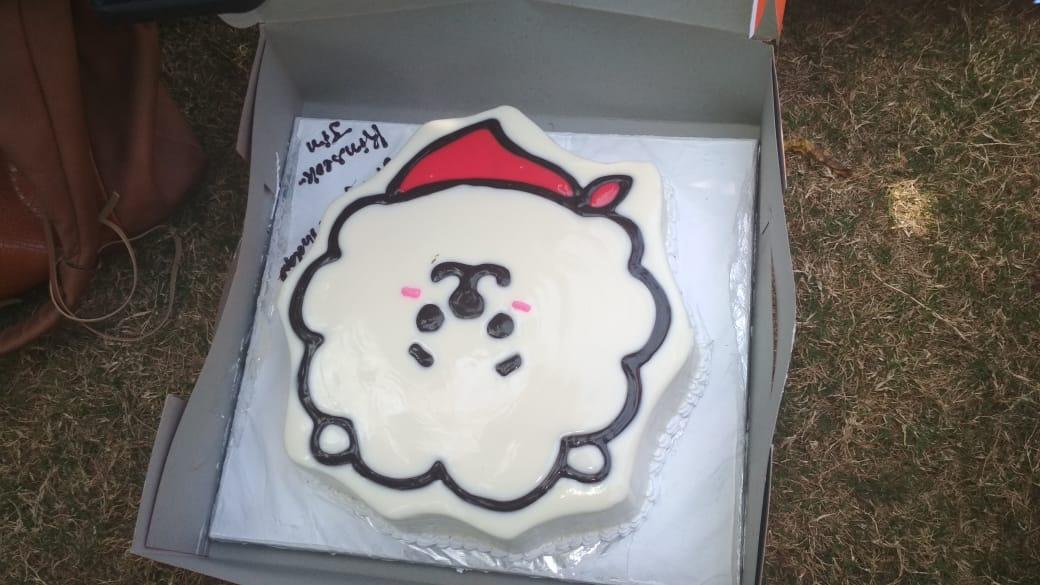 Bangtan India On Twitter Video Jin S Birthday Cake Cutting