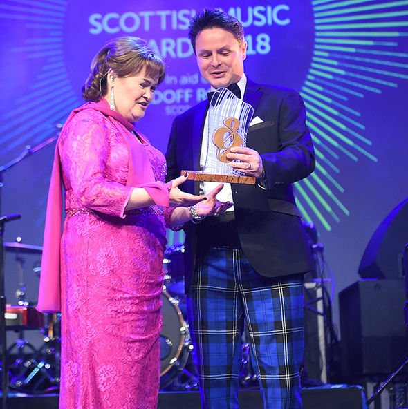 Scottish Music HOF Induction DtbcciPUwAAh-Fu