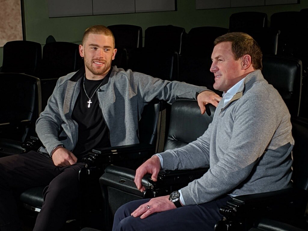 Sat down with Eagles TE Zach Ertz— he is having one heck of a year! Tune in tomorrow night!!