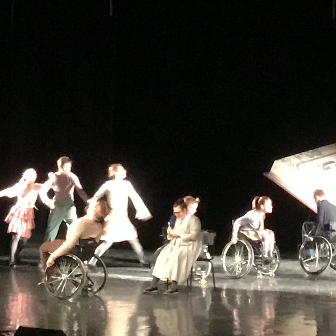 "Inclusive performance ""Time"". So inspiring! #Cherepovets #Chambertheatrepic.twitter.com/EtBk2Gbvxl"
