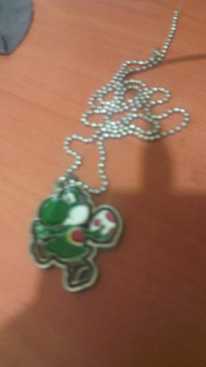 Nuevo collar de Yoshi  Dtd3dz8VAAE_Wio