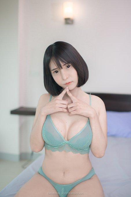 Nichada_yoshiiのTwitter自撮りエロ画像15