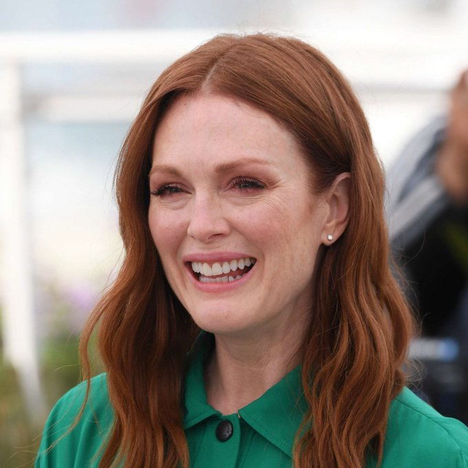 Happy birthday to the amazing actress,Julianne Moore,she turns 58 years today