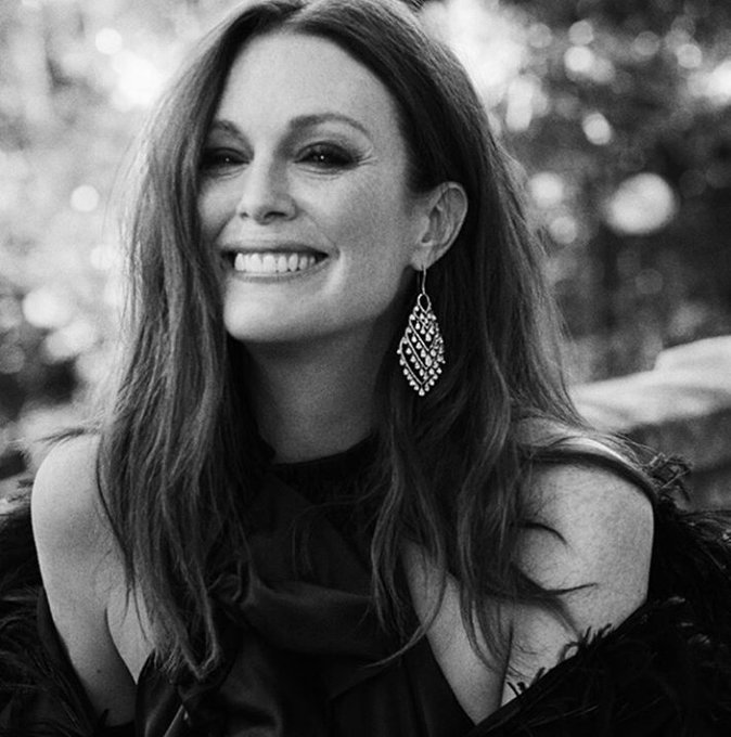 Happy birthday to this insanely fabulous, dazzling, intelligent and inspiring woman. I LOVE YOU JULIANNE MOORE