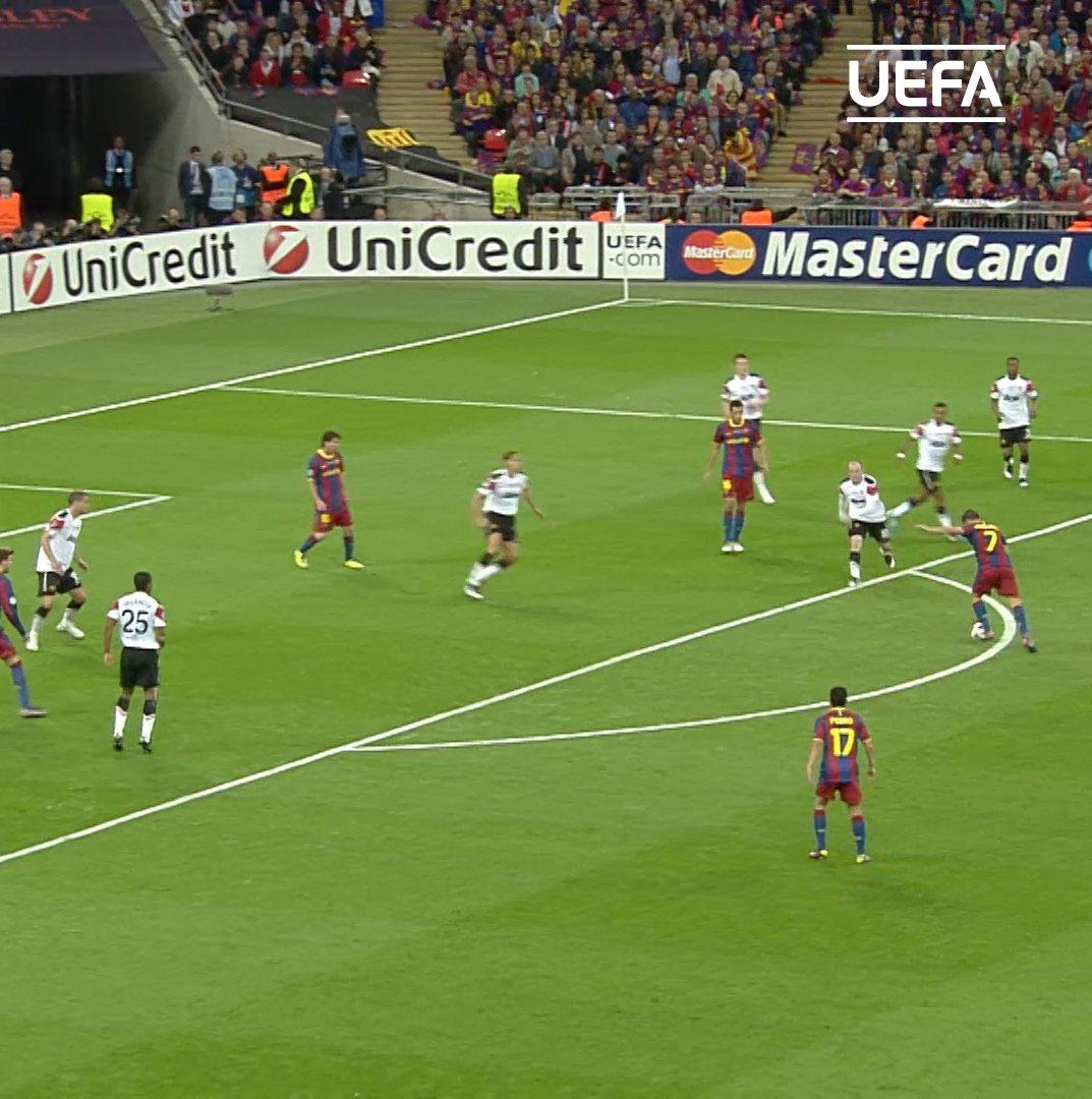 David Villa has announced his plans to retire from football   Most memorable  @Guaje7Villa goal?     @FCBarcelona    #UCL