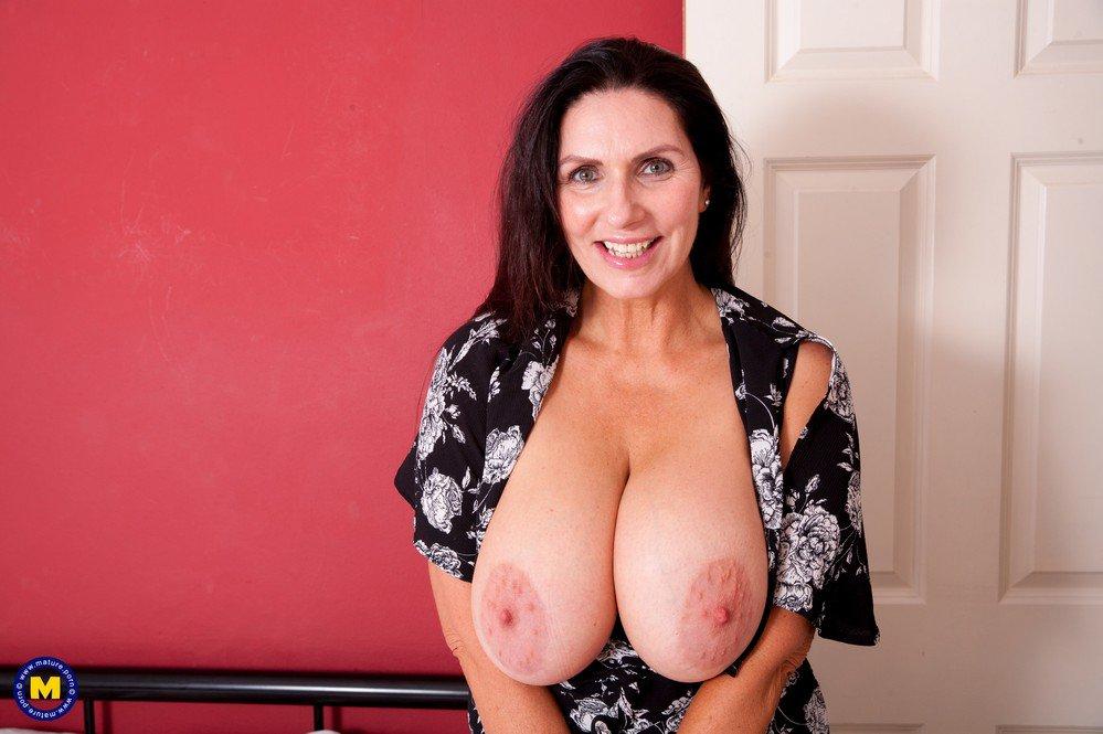 hot-big-breasted-mature-women