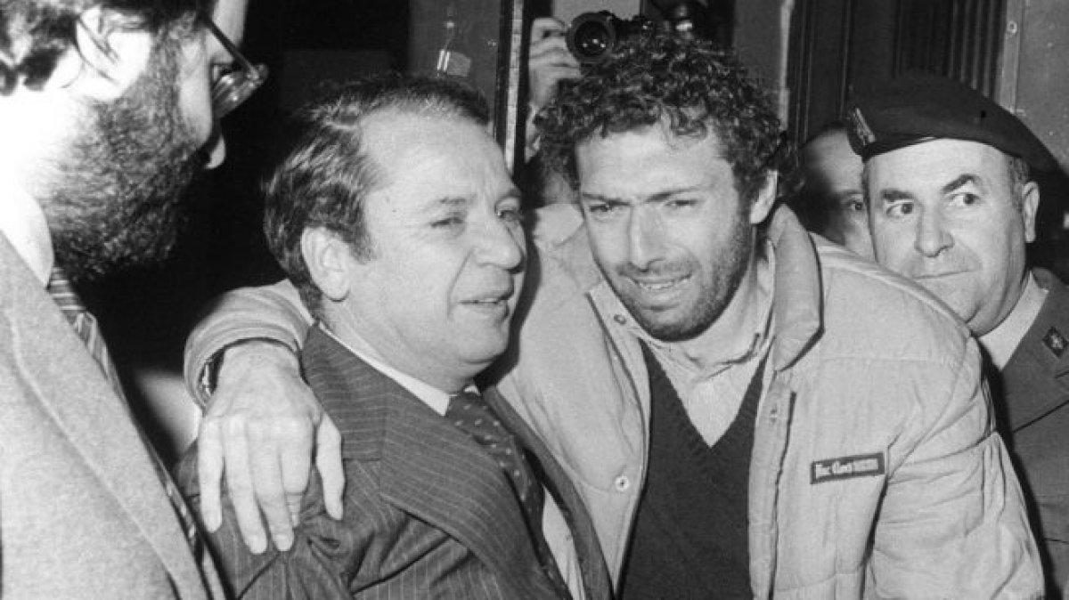 FOTOS HISTORICAS O CHULAS  DE FUTBOL - Página 4 DtfwBTWWsAAf2VH
