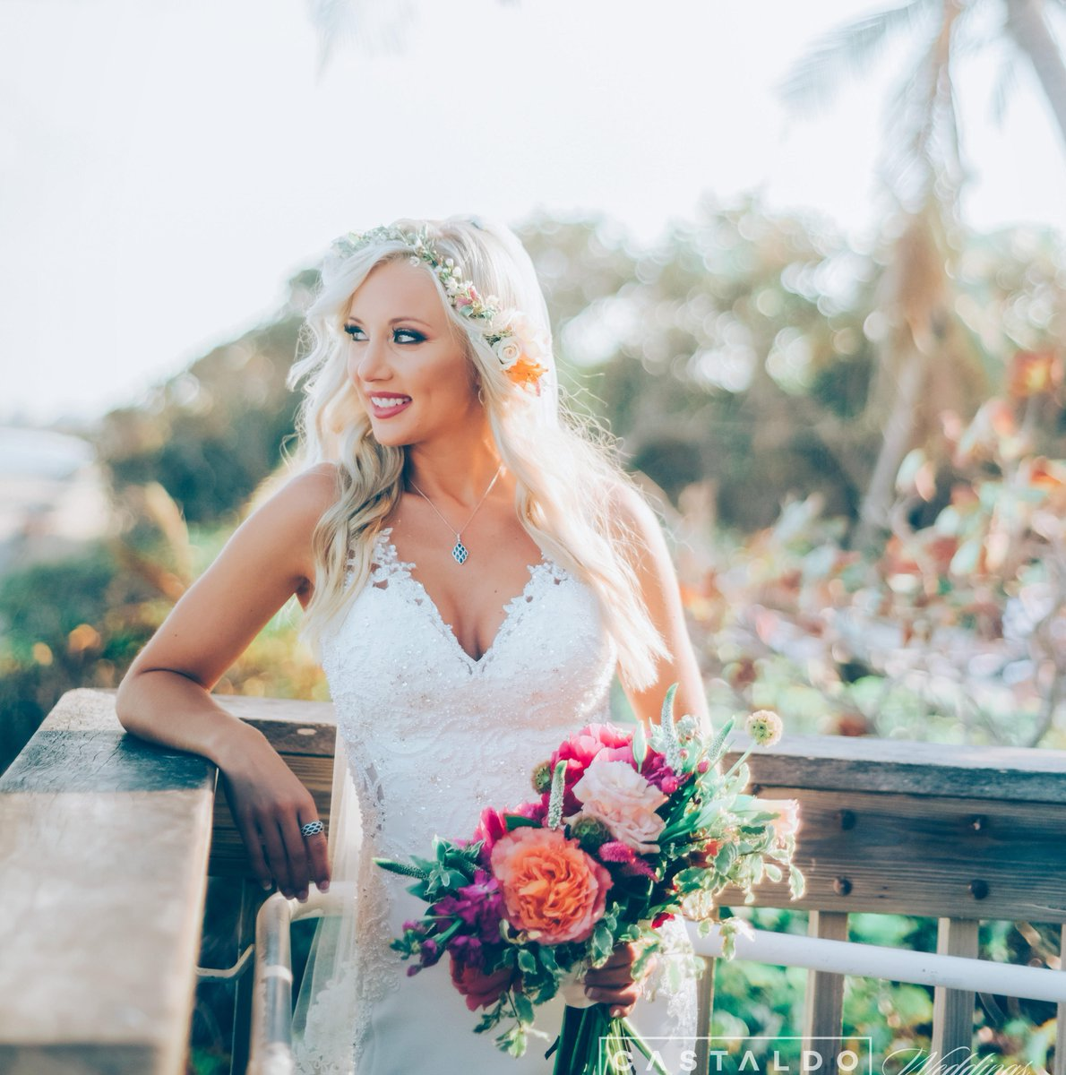 There's nothing more stunning than a JBR bride. 👰#OnlyAtJBR 📷: Castaldo Wedding https://t.co/yMIliiiAeY