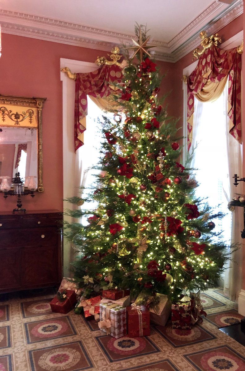 Phil Bryant On Twitter The Christmas Tree At The Mississippi