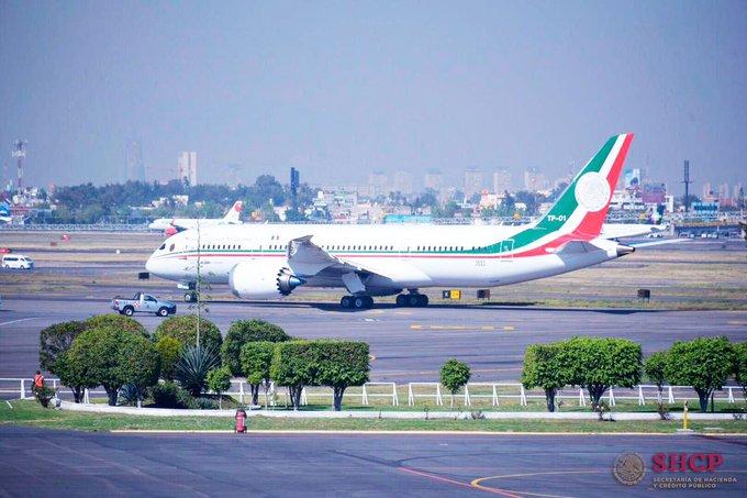 #FelizLunes, el día de hoy despegó el #AviónPresidencial para su venta en California. Aquí están las fotos: ✈️ Photo