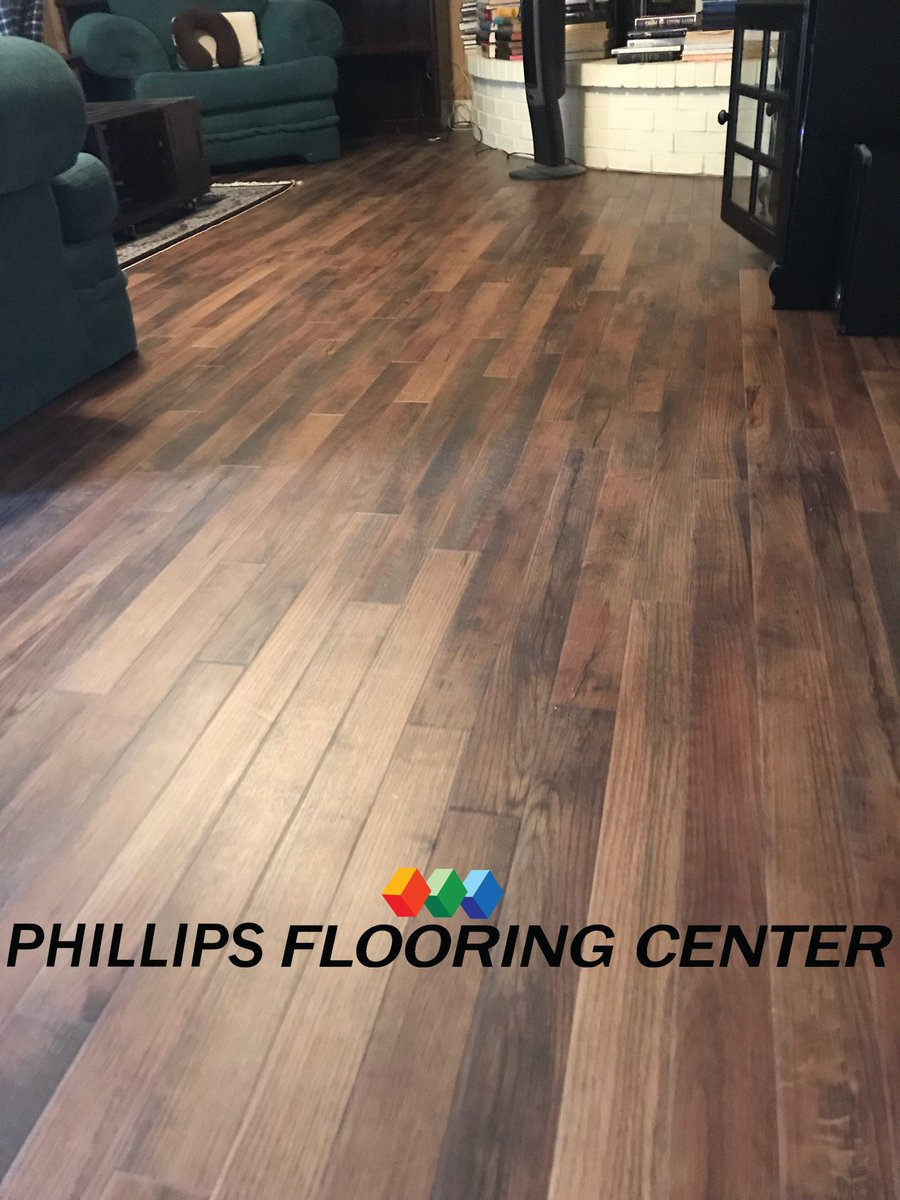 And We Replaced It With Karndean Blendad Oak Longview Tx 9032364900 Https Www Phillipsflooring Phillipsflooringcenter