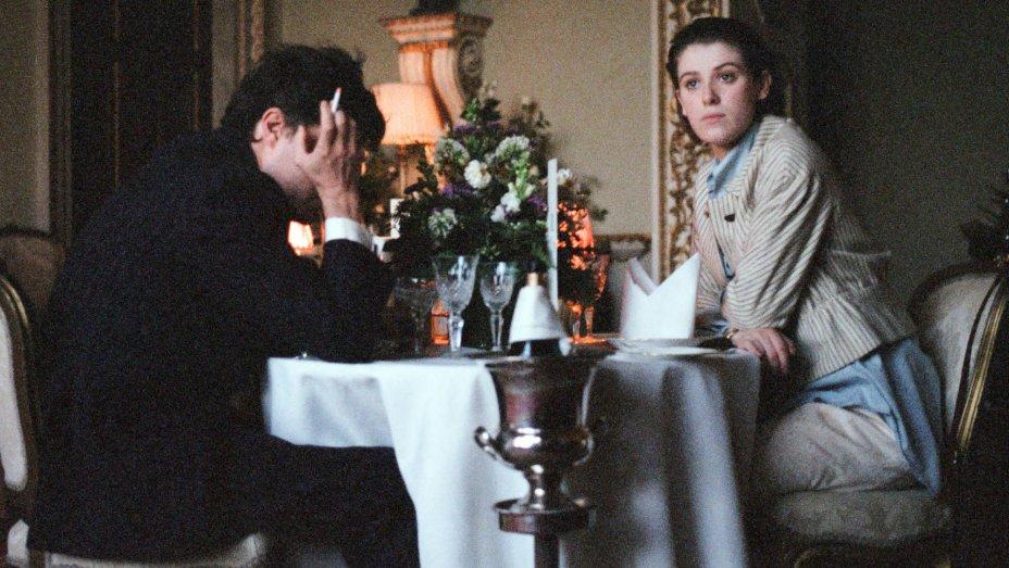 #Sundance: Tilda Swinton's 'The Souvenir' nabbed by @A24 for North America thr.cm/2EyJim