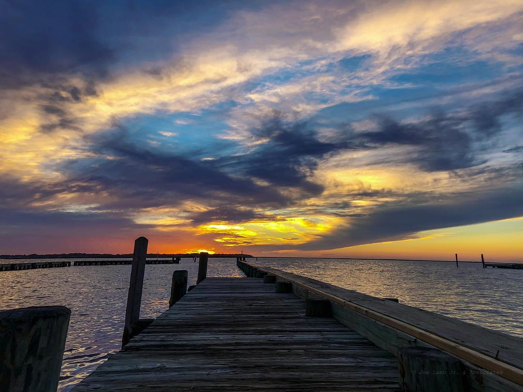 How beautiful was last nights sunset? 🌊😍🙌🏼 #obx #obxnow #sunset #obxstuff #obxphotos #outerbanksnc #outerbanks #north_carolina #nc #visitnc #explorenc #vacationnc #cacation #holidays #soundside #coastal #barrierisland #carolinas https://t.co/Wq9YKXi4rA