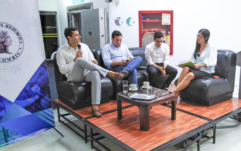 @JuanMVilla, presidente de @Colpensiones, participa en compañía de @RodLuisAlberto, Viceministro técnico @MinHacienda y Juan Manuel Daza, Viceministro de @MinInterior, en conversatorio sobre el futuro de la economía del #Cesar que se desarrolla #AEstaHora en #Valledupar.