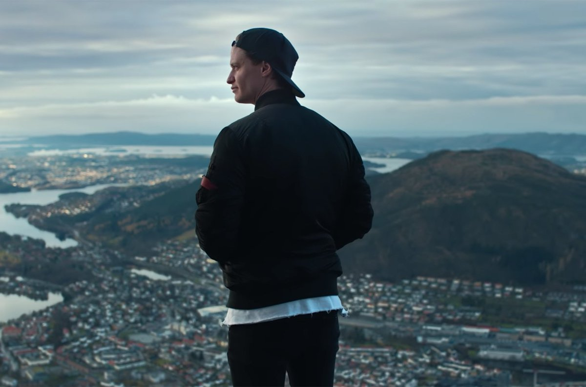 "RT @billboard: Kygo shows off his Norwegian hometown in ""Happy Now"" video https://t.co/qmB7zlAa5u https://t.co/Gq18lHgoBA"
