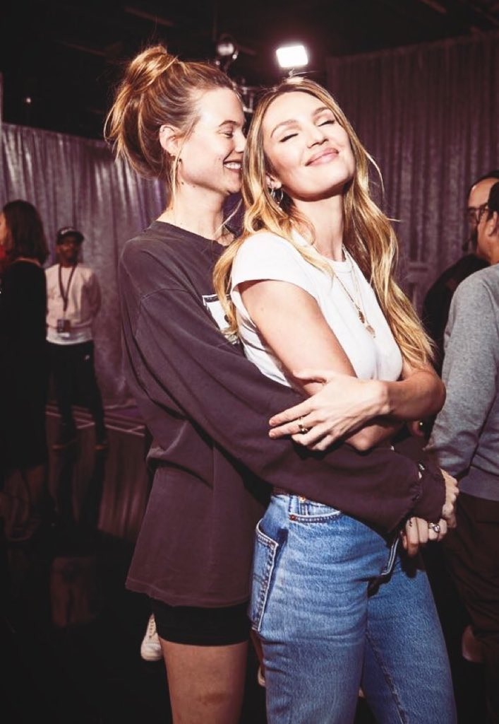 RT @vsactu: Candice & Behati at the backstages 🥰#VSFashionShow #vsfs18 https://t.co/ifiY6ZyGVO