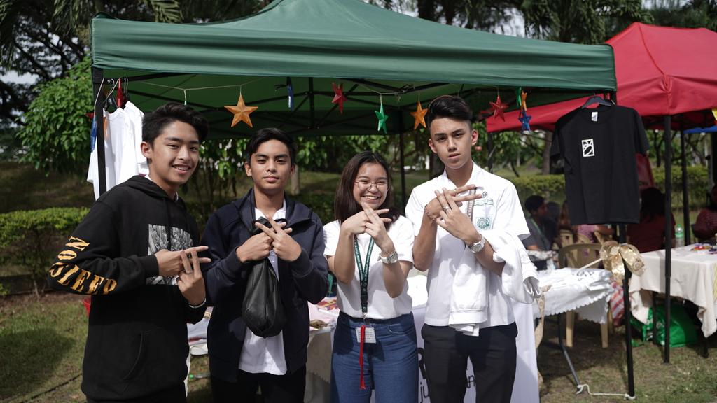 Thanks for dropping by our booth! @SntsMontgomery @FrankRovykk @migotraspe #ambassadors #forakosph