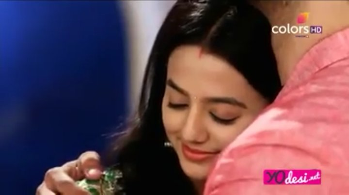 I Vote #HellyShah for #LaalIshq #TVPersonality2018  @BizAsia @SabrasRadio   SSR tujuh delapan https://t.co/wfk5fCq2b9