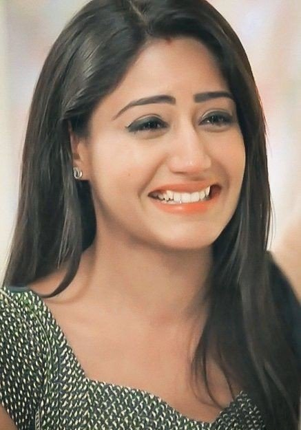 I vote  @SurbhiChandna  for #Ishqbaaaz  #TVPersonality2018  @SabrasRadio  How many RTs for Queen #SurbhiChandna ? https://t.co/9G8EGyzXRW