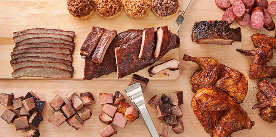 Everything you need to know and more about Kansas City BBQ from @VisitKC. #GKCRA  https://bit.ly/2AESUJy