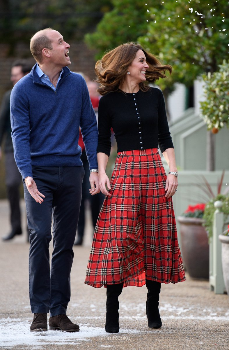 Prince William & Catherine, Duchess of Cambridge attend a Christmas Party for families and children of deployed personnel from RAF Coningsby and RAF Marham serving in Cyprus at Kensington Palace in London. #royal #katemiddleton #christmas #kensingtonpalace #duchessofcambridge