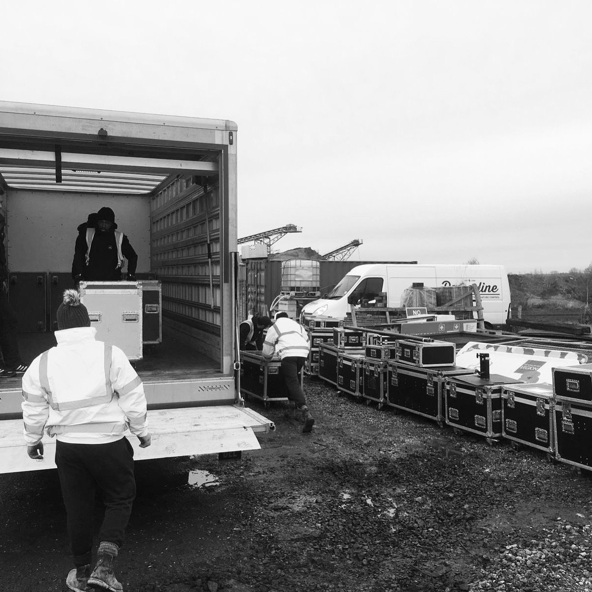 ...and we're off. Today we are starting our load in for Illuminated Arboretum with @TheColorProject at @Nat_Mem_Arb. Come down through December to see some of its memorials 'shown in another light' #EOL #Eventprofs https://tinyurl.com/yaqgf798