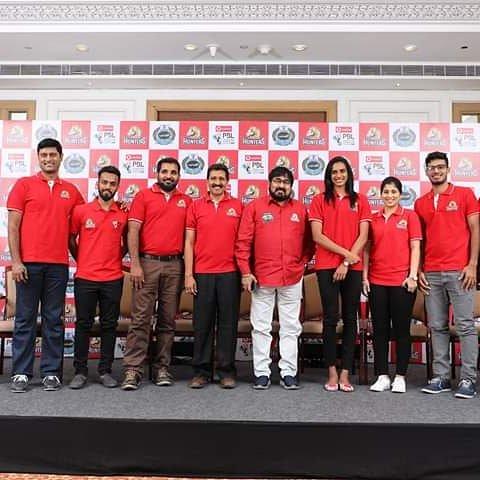 Snapshots from the #HyderabadHunters Pre-Season Press Briefing before the #PBLSeason4 kicks-off! #HuntersArmy #HyderaBADDIES (2/3)