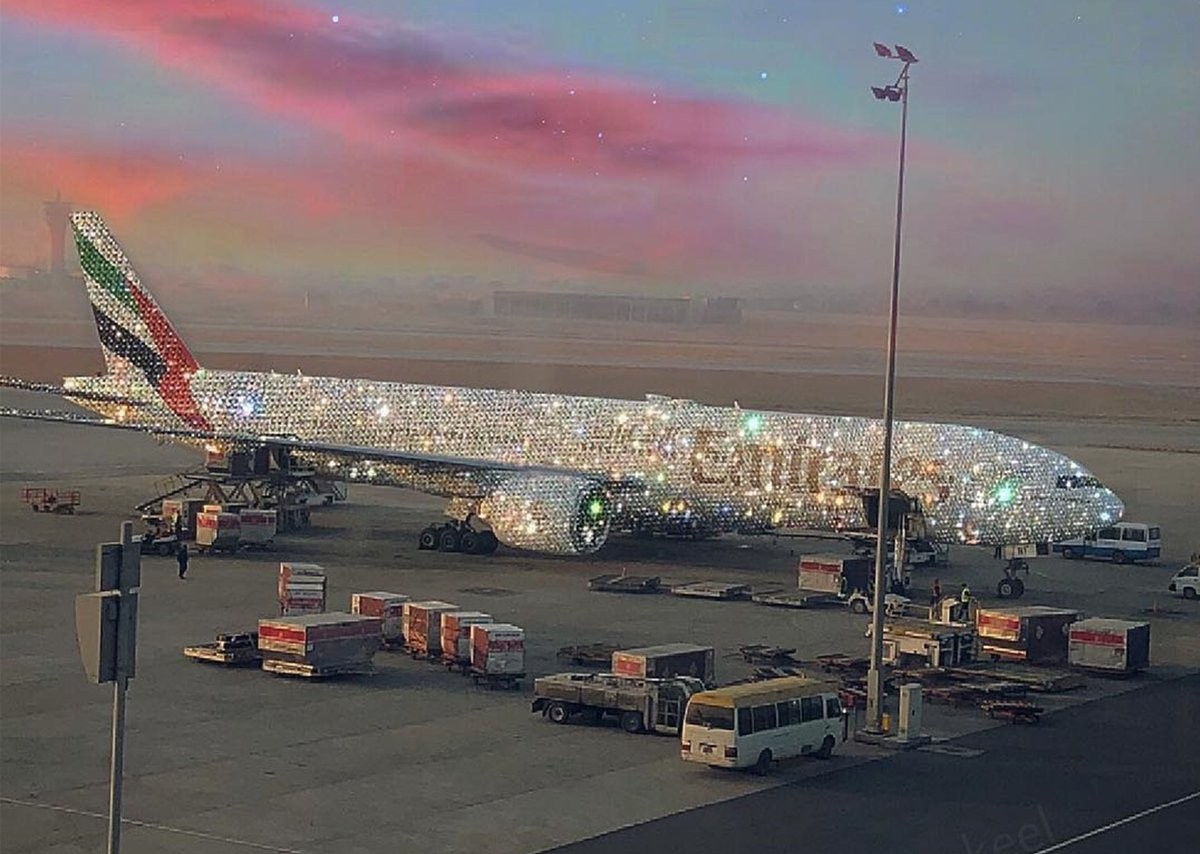 Presenting the Emirates 'Bling' 777. Image created by Sara Shakeel 💎💎💎