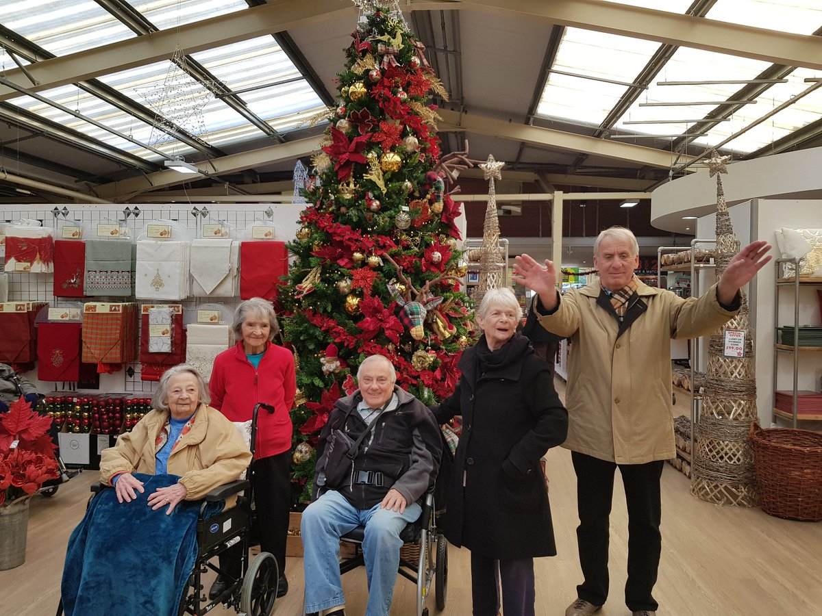 Springfield On Twitter Lovely Trip Out Today To Tong Garden Centre Christmas Shopping And Admiring The Fantastic Christmas Displays We Then Finished Off With Hot Drinks And Some Yummy Cakes Tong Garden Christmas