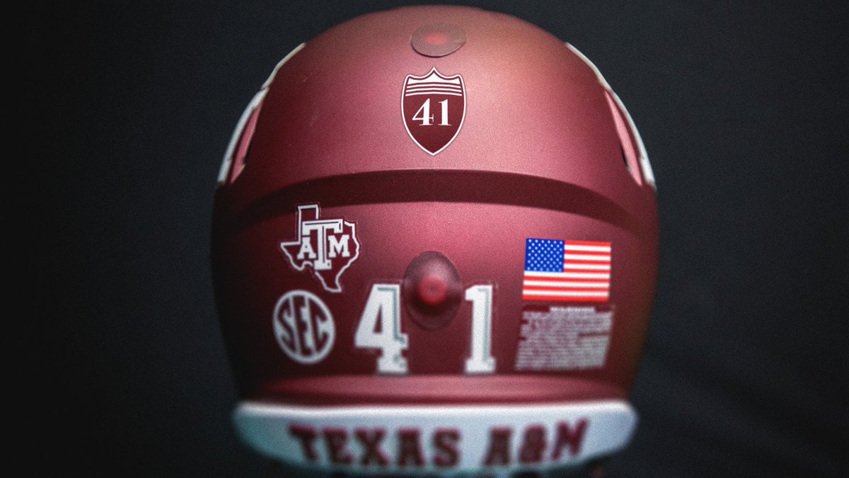 The @AggieFootball team & all @12thMan teams will wear tribute helmet decals or uniform patches to honor the memory of George H.W. Bush throughout the rest of the 2018-2019 athletic season. tx.ag/41Patch #Honoring41