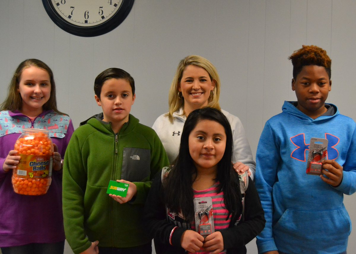 Home Laurens Middle Wall Clock Governor Driver Our Most Recent Score Big Win Prize Winners Are Pictured With Principal Anna Brink They L To R Cheyene Campbell Jacob Babb Maria Francisco