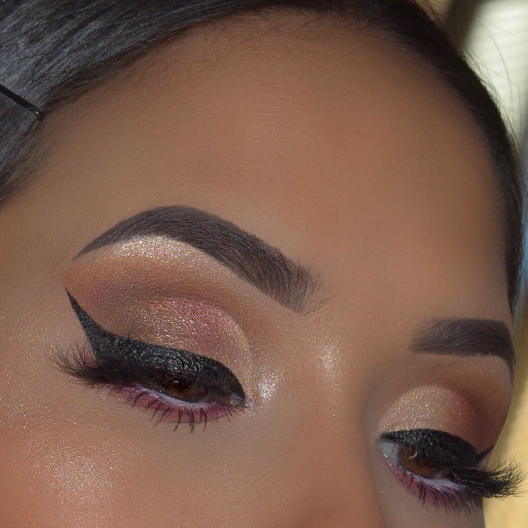Talk about precision!🙌🏽 @Makeupbysandyyy used every makeup maven's must-have - #TATTOOLINER