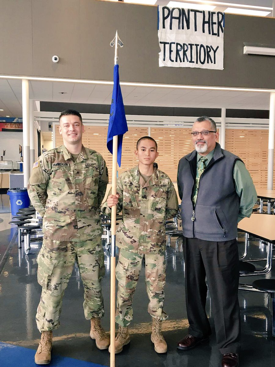 It was an honor attending @SMHS_Pride PVT Manhua Xie's promotion ceremony today!