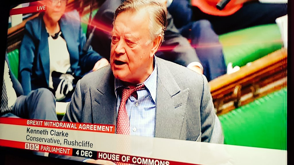 You know it's an all-nighter when Kenneth Clarke's tie does this  #BrexitDebate