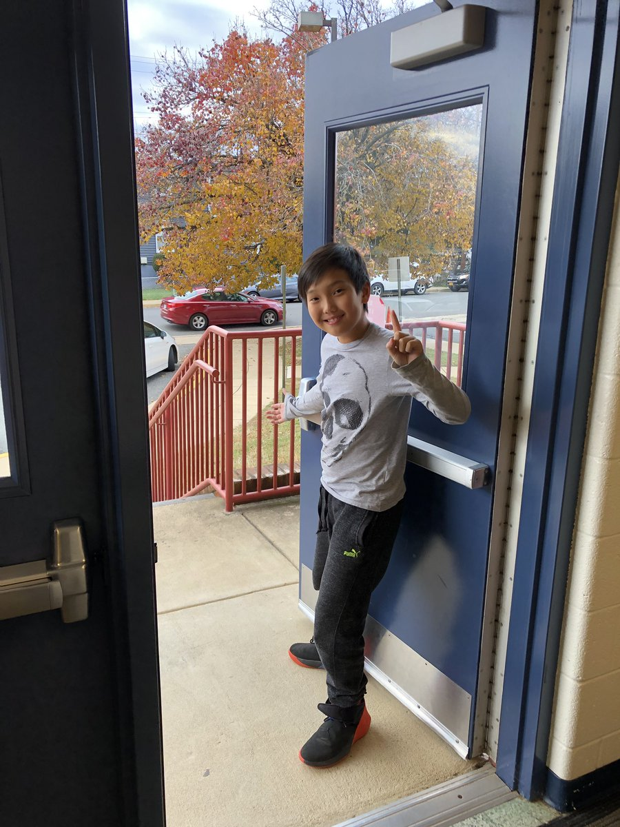 In case of a fire, 5th graders at HFB know they have 2 ways out...our main exit down the side stairwell, and our secondary exit down the stairs and out the bus doors! <a target='_blank' href='http://search.twitter.com/search?q=ClassroomContest'><a target='_blank' href='https://twitter.com/hashtag/ClassroomContest?src=hash'>#ClassroomContest</a></a> <a target='_blank' href='http://search.twitter.com/search?q=HFBTweets'><a target='_blank' href='https://twitter.com/hashtag/HFBTweets?src=hash'>#HFBTweets</a></a> <a target='_blank' href='http://search.twitter.com/search?q=APSisAwesome'><a target='_blank' href='https://twitter.com/hashtag/APSisAwesome?src=hash'>#APSisAwesome</a></a> <a target='_blank' href='https://t.co/Glod3uyZ4p'>https://t.co/Glod3uyZ4p</a>