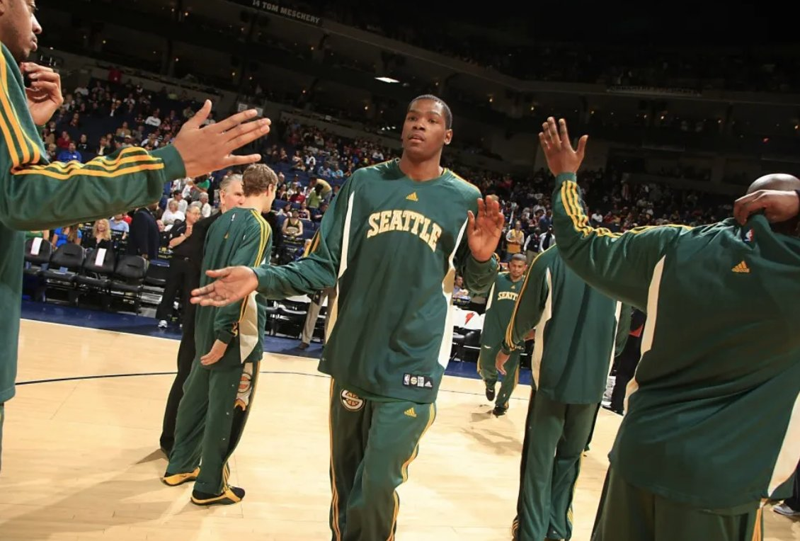 Now that the NHL is coming to Seattle, can we PLEASE bring back the Sonics https://bars.tl/SKMxLQCAnS