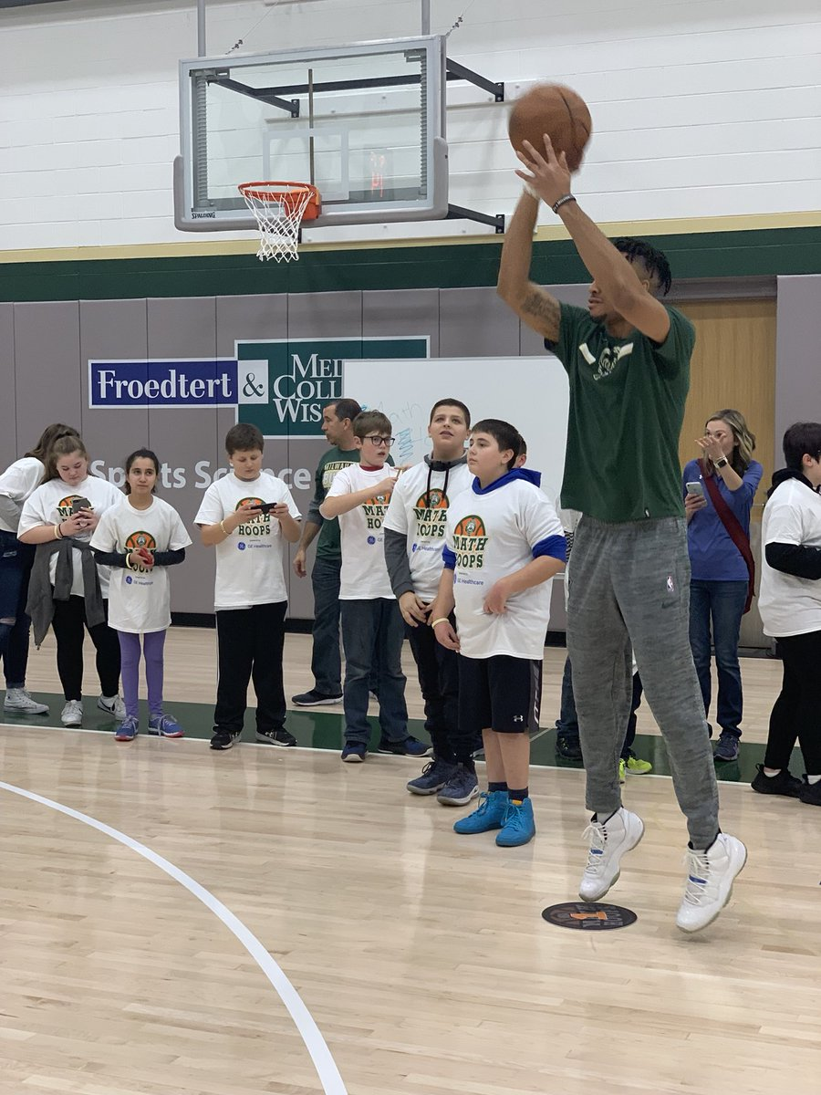 Our @Bucks #MathChamps had a blast at tonight's #MathHoopsLive, sponsored by @GEHealthcare!