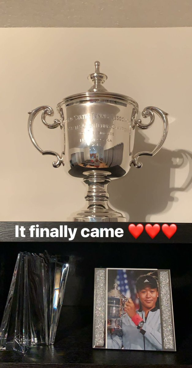 US Open champion @Naomi_Osaka_ received a very nice surprise in the mail today! #WTTFamily 😄😎🏆